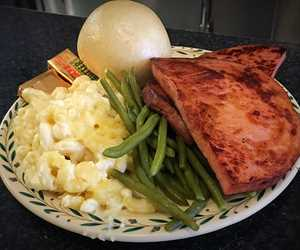 Ham Steak, Mac and Cheese, Green Beans (Dinner Special)